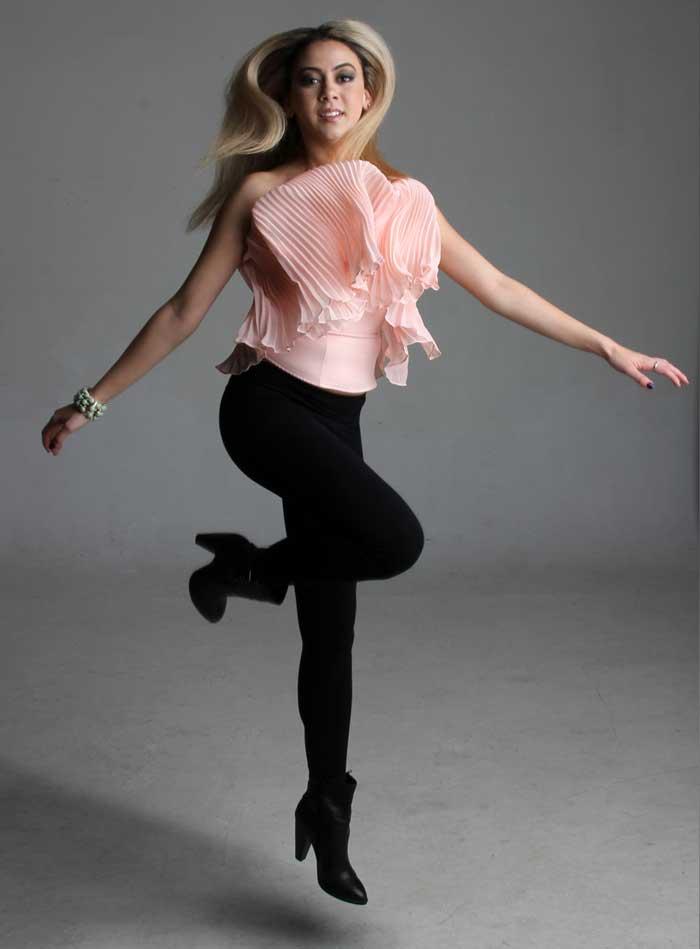 Model Portfolio Image jumping